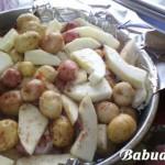 Мелкая картошка, запеченная в духовке: наш семейный рецепт