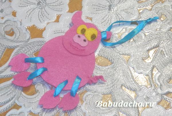 Свинка на елку своими руками (из фетра)